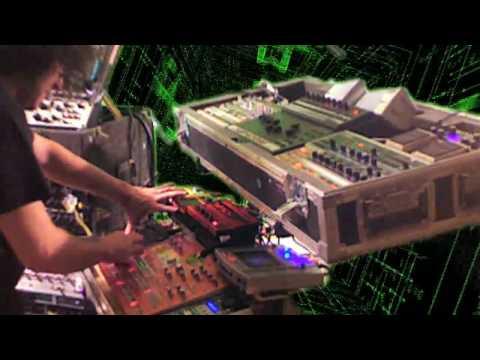 Live in the Machine - Muzik 4 Machines 1/2 hour live set