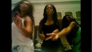 "Beyonce, her sister Solange & Kelly Rowland singin ""Lovefool"" by The Cardigans HD 720p"