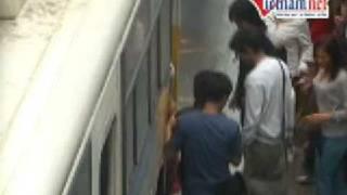 VietNamNet Video Tệ nạn móc túi trên xe bus