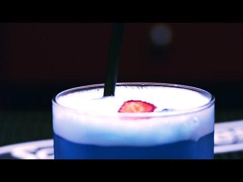 全世界第一款「藍色的酒」革命性地誕生,你以為只是色素不敢喝就真的是太傻了!