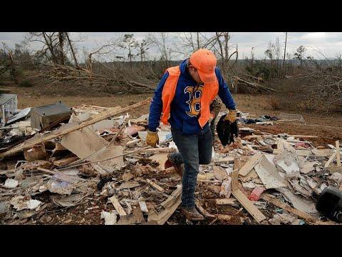 Αλαμπάμα: Οι πληγές που άφησαν οι φονικοί ανεμοστρόβιλοι…