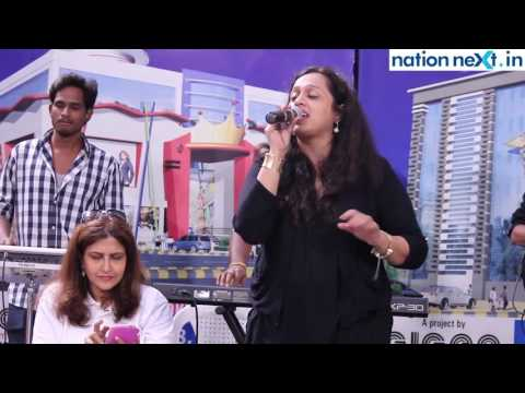 Video Vaishali Samant regales the audience with her hit songs at Fortune Mall, Sitabuldi, Nagpur download in MP3, 3GP, MP4, WEBM, AVI, FLV January 2017