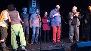 Video Jak probíhal křest CD Půljablkoně v Malostranské besedě 26.2.201