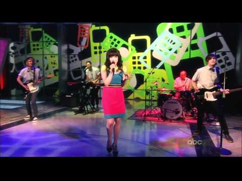 Carly Rae Jepsen - Call Me Maybe (Live on The View 04-09-2012) [HD]