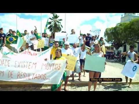 Invasão de manifestantes em Senador Pompeu.
