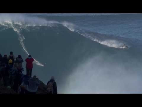 Gigantic Wave Surfing