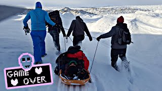 Ostatni odcinek z przygody na Grenlandii. Dzisiaj opowiadam o wypadku uczestnika na lodowcu. Wszystkie odcinki z Grenlandii:...