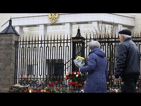 Αναζητούν στα συντρίμμια τις απαντήσεις για την τραγωδία με το Τουπόλεφ