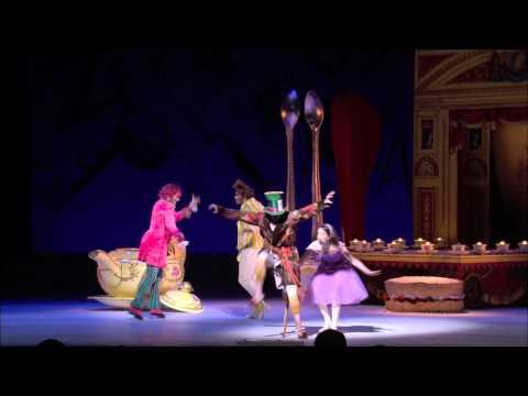 英国ロイヤル・バレエ団「不思議の国のアリス」PV