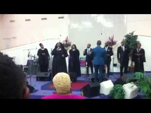 Donald Lawrence & Co. - When The Saints Go To Worship
