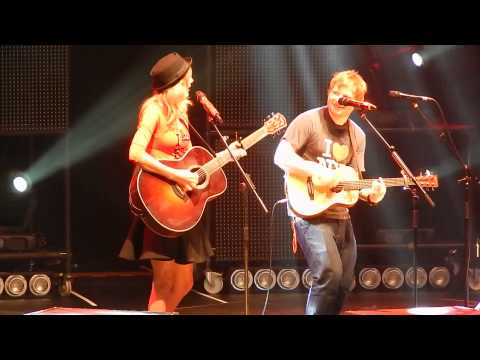"Ed Sheeran and surprise guest Taylor Swift ""Everything Has Changed"" at MSG 11/1- HQ"