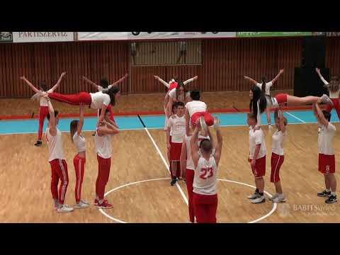12.F osztály szalagavató tánca