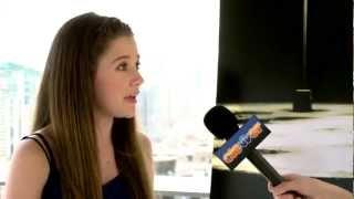 Nonton Natasha Calis 'The Possession' Interview: Comic-Con 2012 Film Subtitle Indonesia Streaming Movie Download