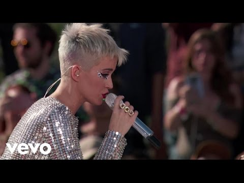Katy Perry - Swish Swish (Live from Witness World Wide)