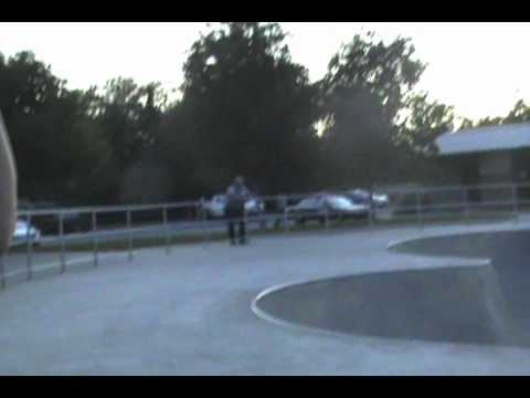 ANGRY Cop kicks skaters out of skatepark..(read description)