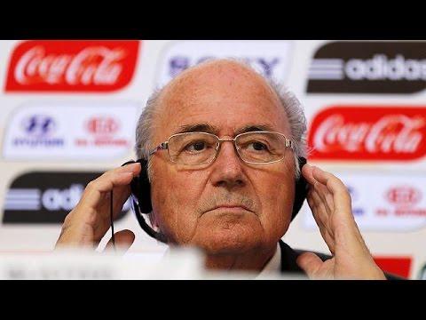 Δεν παραιτείται ο Σεπ Μπλάτερ, παρά το ηχηρό αίτημα χορηγών της FIFA