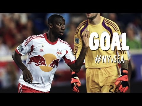 Video: PK GOAL: Bradley Wright-Phillips squeezes his PK by Frei | New York Red Bulls vs Seattle Sounders