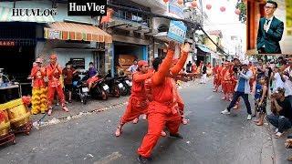 Video NHƠN NGHĨA ĐƯỜNG TÊ NGƯỜI VỚI MÀN BIỂU DIỄN | Hữu Vlog | Dấu Chân Sài Gòn MP3, 3GP, MP4, WEBM, AVI, FLV September 2019