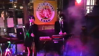 Download Lagu Effete Poseurs: Don't Go (Yazoo) - Frog & Parrot, Sheffield, March 2017 Mp3
