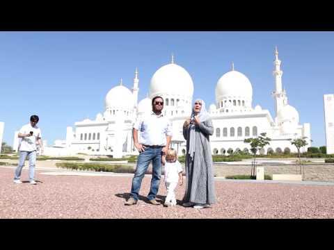 Елена Проклова(советская и российская актриса) и Исмагил Шангареев посетили мечеть в Абу Даби.