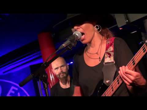 Ida Nielsen - You Can't Fake The Funk Live in London