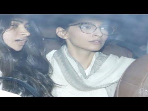 Sonam Kapoor Breaks Down, Janhvi - Khushi Kapoor C
