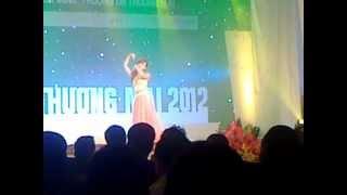 Múa quê tôi- Phương Huyền (Miss Thương Mại 2012)