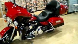 10. 2011 Harley-Davidson FLHTK Electra Glide Ultra Limited