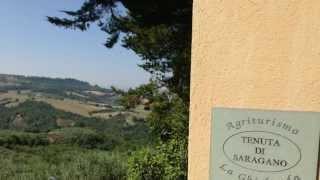 Gualdo Cattaneo Italy  City pictures : Hotel La Ghirlanda, Località Saragano - Gualdo Cattaneo, Perugia - Italia