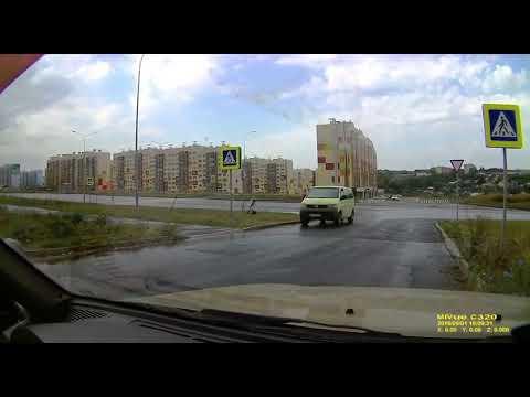Хулиган пнул мобильный радар в Чебоксарах