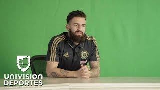 Las estrellas del futbol estadounidense ahora muestran su talento como animadores, con la meta de ser parte de la Barra MLS.