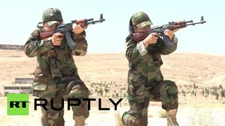 Women take up arms against ISIS in Syria