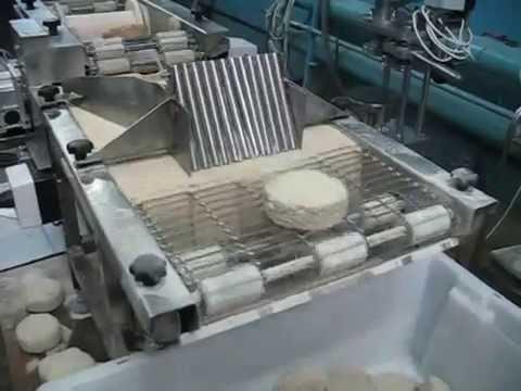 Видео: Машина для нанесения панировки (панировочный автомат) ИПКС-130(Н).