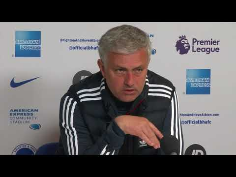 Angry Mourinho rips into his players after United lose to Brighton (видео)