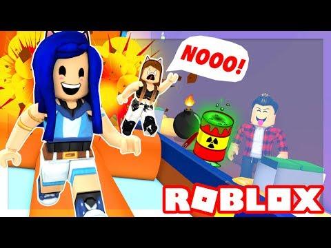 YOU MUST RUN OR DIE!! ROBLOX DEATH RUN! (видео)