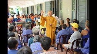 Quỹ Đạo Phật Ngày Nay và Hội DN Quận Bình Thạnh thăm và tặng quà các cụ già ở BV phong Quy Hòa