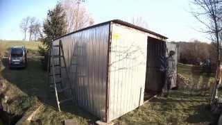 Stavění plechové garáže