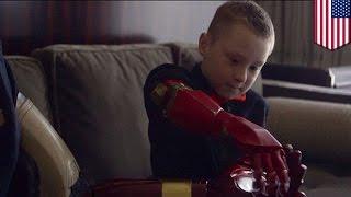 右手ない少年に「アイアンマン」が3D出力の義手を贈呈