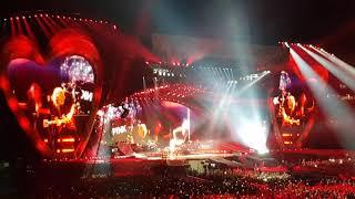 Pink So What Beautiful Trauma tour  Amsterdam