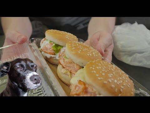Славный Обзор. Суши и бургеры. Могут ли люди работать в минус? (видео)