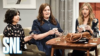 Video Girlfriends Game Night - SNL MP3, 3GP, MP4, WEBM, AVI, FLV Juni 2018