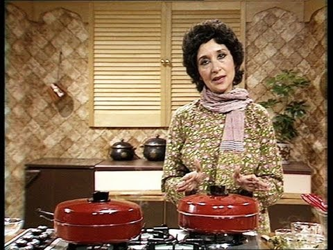 Jaffrey - Madhur Jaffrey demonstrates how to make Lemony Chicken with Fresh Coriander. From Episode 3 of Madhur Jaffrey's Indian Cookery: http://bit.ly/12ThZMI Watch m...