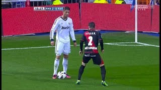 Video Cristiano Ronaldo Top 30 Mind-blowing Skill Moves MP3, 3GP, MP4, WEBM, AVI, FLV Oktober 2018