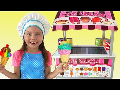 Alice playing in ice cream shop with Kitchen Toys
