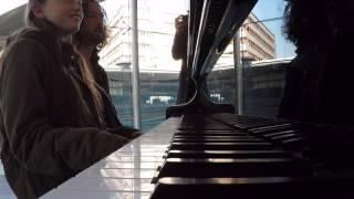 Piano spelen met Eline en Luca