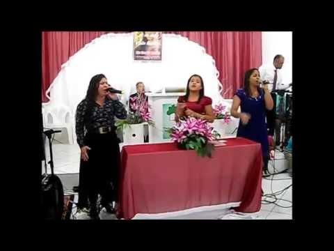 LUZIA COSTA, JOCELMA LACERDA E RAYSSA NEVES LOUVANDO A DEUS EM ITAGIMIRIM-BAHIA