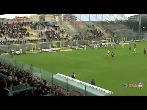 Calcio, il derby di Calabria termina in parità