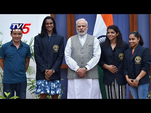 PM Modi Meets Olympic Medal Winners