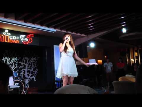 Hari Won hát Live - Aloha - (Hà Nội - 22/06/2014)