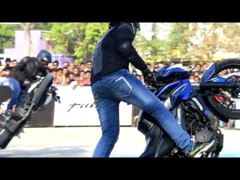 Video Bajaj PulsarMania Stunt Show at Brahmapur . download in MP3, 3GP, MP4, WEBM, AVI, FLV January 2017